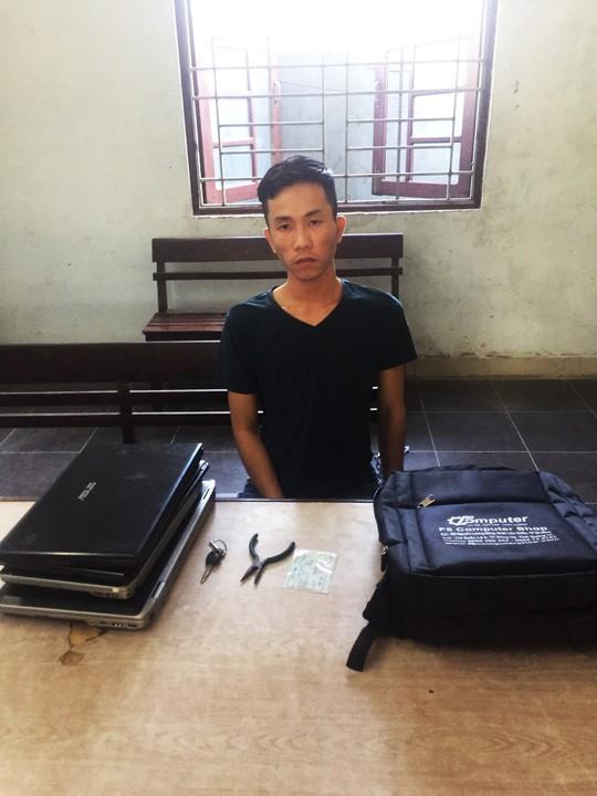 Bắt giữ đối tượng chuyên trộm laptop của sinh viên Đà Nẵng - Ảnh 1.