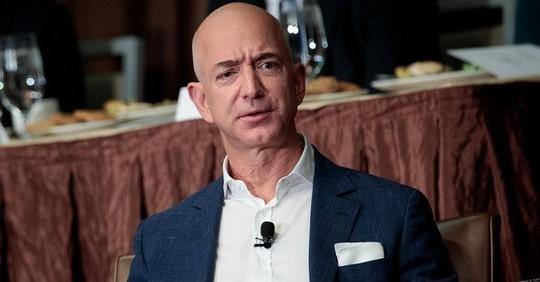 """Chỉ 2 ngày, tài sản Jeff Bezos """"bốc hơi"""" 19,2 tỷ USD  - Ảnh 1."""