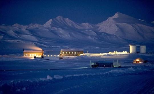 10 địa điểm xa xôi, hẻo lánh nhất thế giới - Ảnh 10.