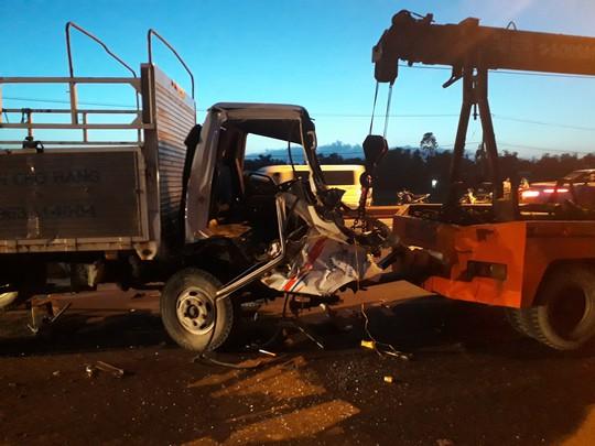 Tai nạn kinh hoàng giữa 2 xe tải, ô tô Mazda BT50 và 2 xe máy - Ảnh 6.