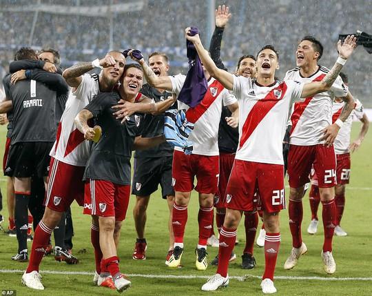 Siêu kinh điển Boca Juniors - River Plate lấn át derby Manchester - Ảnh 5.