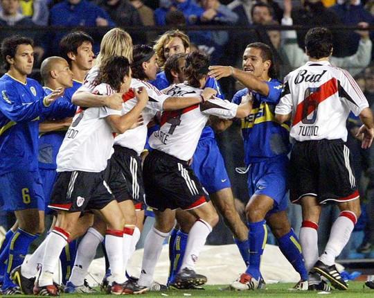 Siêu kinh điển Boca Juniors - River Plate lấn át derby Manchester - Ảnh 2.