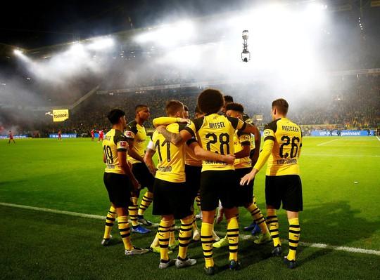 Tiệc bàn thắng siêu kinh điển Bundesliga, Dortmund quật ngã Bayern Munich - Ảnh 9.