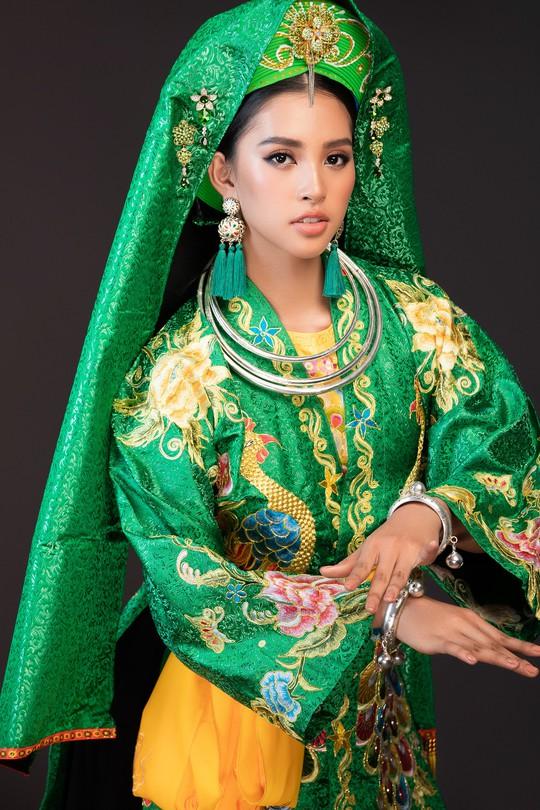 Hoa hậu Tiểu Vy lên đồng tại Miss World 2018 - Ảnh 5.