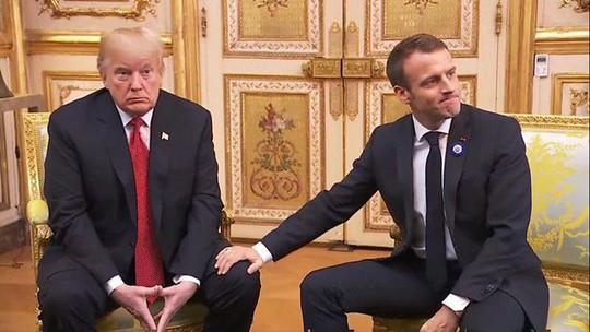 Giải mã phản ứng của ông Trump khi ông Macron vỗ đầu gối - ảnh 1