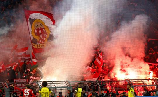 Tiệc bàn thắng siêu kinh điển Bundesliga, Dortmund quật ngã Bayern Munich - ảnh 1