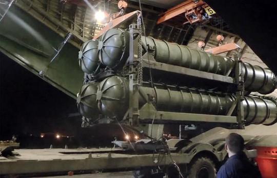 Mỹ hy vọng Israel phớt lờ S-300, tiếp tục dội bom ở Syria - Ảnh 1.