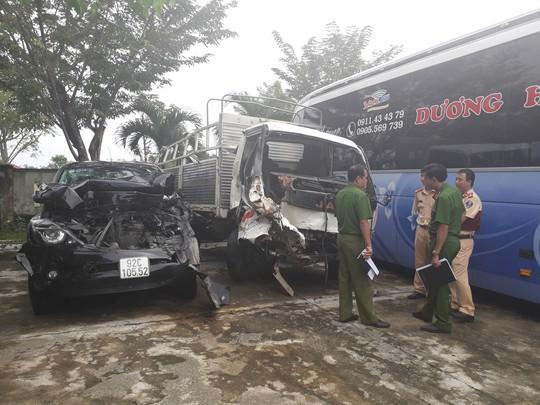 Khởi tố vụ xe Mazda BT50 tông liên hoàn ở Quảng Nam - Ảnh 1.