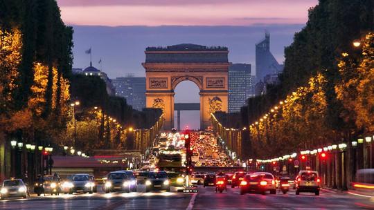 9 con phố nổi tiếng thế giới ai đến cũng muốn check-in - Ảnh 1.