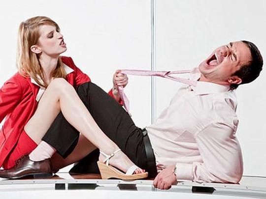 Tại sao đàn ông sợ vợ thường thành công hơn? - Ảnh 1.