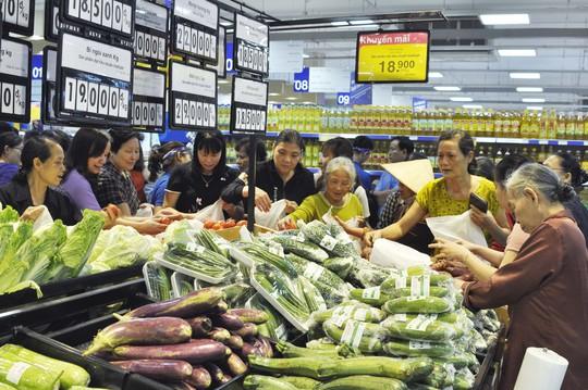 Co.opmart Việt Trì thu hút khách hàng nhờ khuyến mãi khủng - Ảnh 2.
