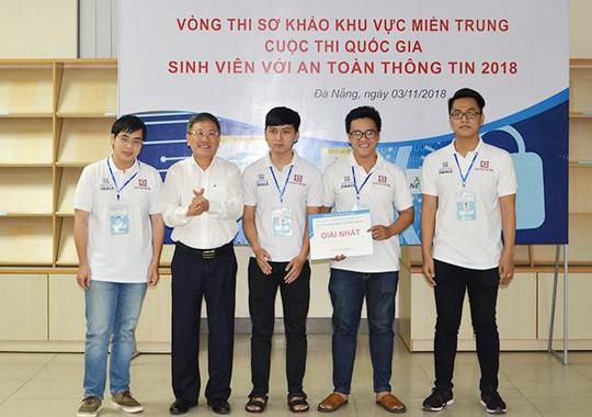 """Duy Tân vô địch cuộc thi """"Sinh viên với An toàn Thông tin 2018"""" khu vực miền Trung - Ảnh 1."""