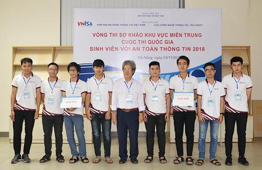 """Duy Tân vô địch cuộc thi """"Sinh viên với An toàn Thông tin 2018"""" khu vực miền Trung - Ảnh 2."""