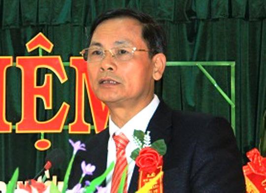 Bắt tạm giam 4 tháng 1 phó chủ tịch xã - Ảnh 1.