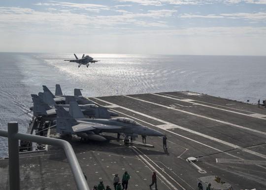 Hai tàu sân bay Mỹ phô diễn sức mạnh ở vùng biển Philippines - Ảnh 3.