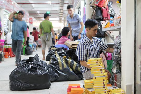 Ngôi chợ gần 100 tuổi ở TP HCM chính thức mở cửa trở lại - Ảnh 7.
