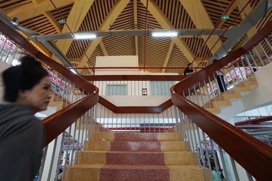 Ngôi chợ gần 100 tuổi ở TP HCM chính thức mở cửa trở lại - Ảnh 6.