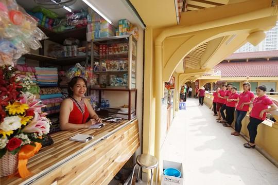 Ngôi chợ gần 100 tuổi ở TP HCM chính thức mở cửa trở lại - Ảnh 9.