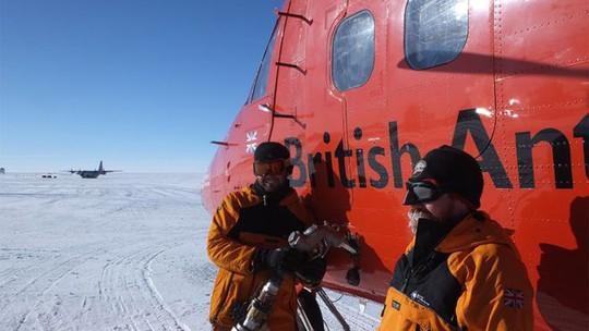 """Tảng đá siêu nóng """"nuốt"""" khối băng rộng hơn cả hòn đảo ở Nam Cực - Ảnh 2."""