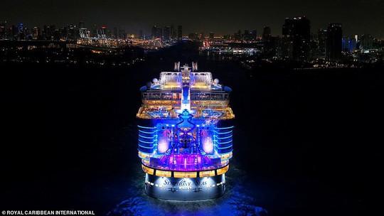 """Du thuyền lớn nhất thế giới """"chào sân"""" tại Mỹ - Ảnh 2."""