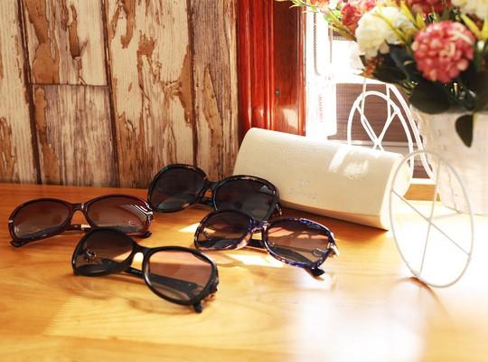 Black Friday - Giảm giá đến 40% đồng hồ, kính mắt tại Đăng Quang Watch - Ảnh 1.
