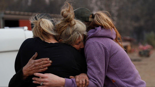 Cháy rừng California: Hơn 600 người mất tích, tăng gấp đôi chỉ sau 1 đêm - Ảnh 6.