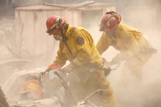 Cháy rừng California: Hơn 600 người mất tích, tăng gấp đôi chỉ sau 1 đêm - Ảnh 5.