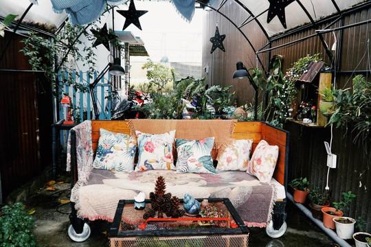 Quán cà phê đưa cả khu vườn vào trong nhà ở Đà Lạt - Ảnh 5.