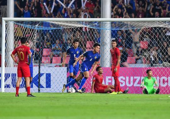 Vùi dập Indonesia, Thái Lan vững ngôi đầu bảng B - Ảnh 2.