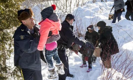 Công dân Mỹ xin tị nạn ở Canada tăng gấp 6 lần - Ảnh 1.