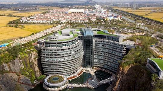 Ngắm khách sạn lòng đất độc nhất Thế giới tại Thượng Hải - Ảnh 1.