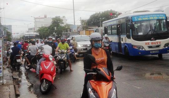 Đã có đến 14 người chết do sạt lở núi, sập nhà ở Nha Trang - Ảnh 3.