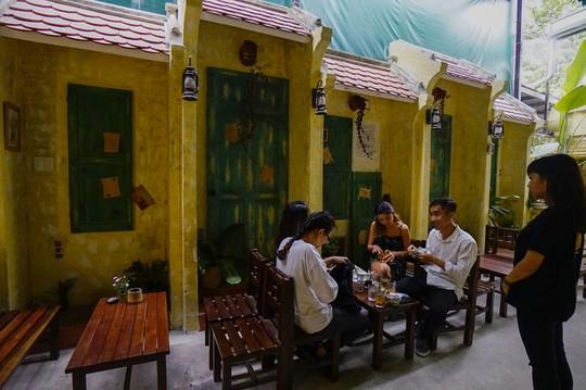 Phố cổ Hà Nội ở TP HCM - Ảnh 2.