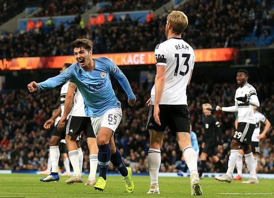 Sao trẻ toả sáng, Man City giành tấm vé thứ 7 tứ kết League Cup - Ảnh 4.