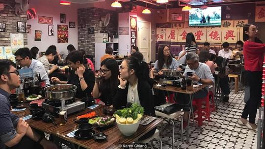 Lẩu gà Hong Kong có gì đặc biệt khiến du khách nhất định phải thử? - Ảnh 2.