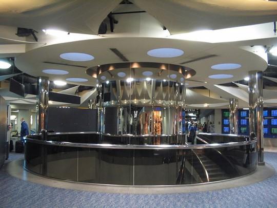 Những sân bay được đánh giá đẹp nhất thế giới - Ảnh 14.
