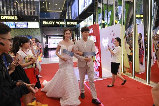 Rộn rã tiếng cười trong đám cưới tập thể Hậu duệ mặt trời Việt - Ảnh 4.