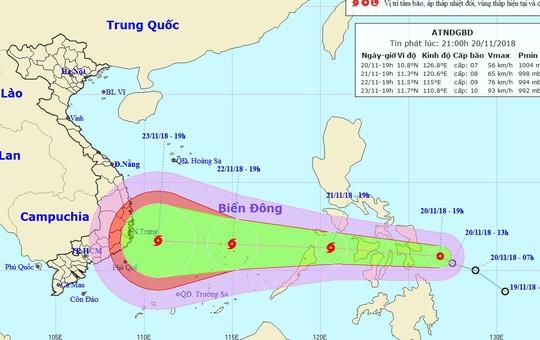 Áp thấp nhiệt đới mạnh thành bão giật cấp 12, tăng tốc vào Nam Trung bộ - Ảnh 1.