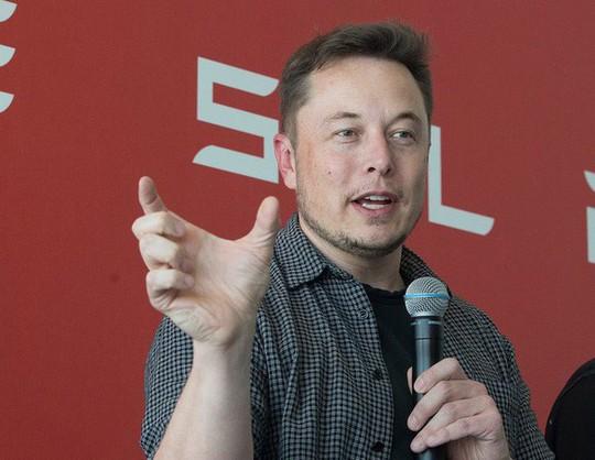 Elon Musk làm việc 120 giờ mỗi tuần - Ảnh 2.