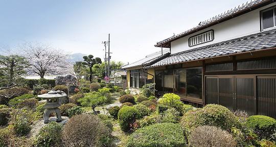 Những ngôi nhà đẹp tựa tranh vẽ ở nông thôn Nhật Bản - Ảnh 15.
