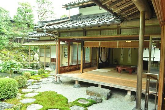 Những ngôi nhà đẹp tựa tranh vẽ ở nông thôn Nhật Bản - Ảnh 18.