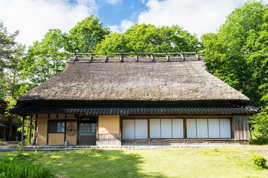 Những ngôi nhà đẹp tựa tranh vẽ ở nông thôn Nhật Bản - Ảnh 6.