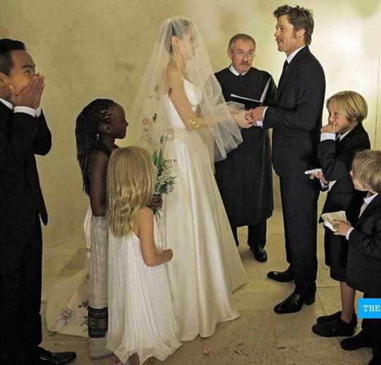 Tình huống trớ trêu trong cuộc hôn nhân Brad Pitt - Angelina Jolie - Ảnh 1.