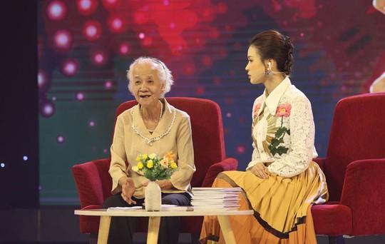 Cụ bà 76 tuổi mê Quang Hải, Xuân Trường và bóng đá Việt Nam - Ảnh 1.