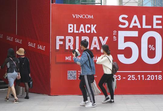 Chen chân mua hàng hiệu giảm giá Black Friday - Ảnh 11.