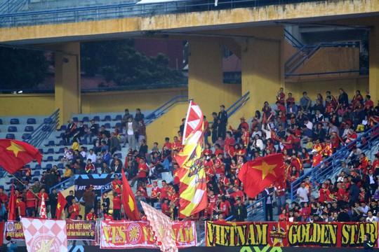 Thắng Campuchia 3-0, Việt Nam vào bán kết với ngôi đầu bảng A - Ảnh 12.