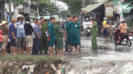 TP HCM: Thanh niên cùng xe máy bị nước cuốn trôi lúc đi làm về - Ảnh 2.