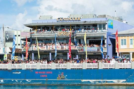 Du khách được hóa thân thành cướp biển vùng Carribean - Ảnh 1.