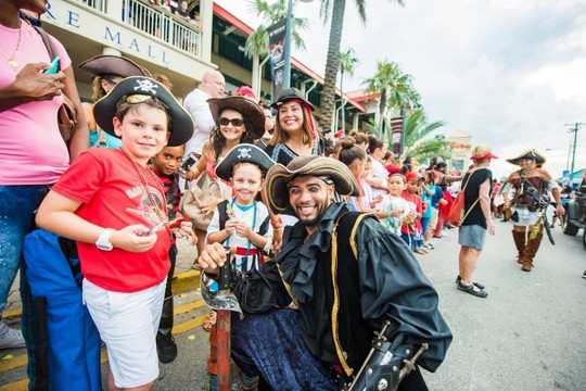 Du khách được hóa thân thành cướp biển vùng Carribean - Ảnh 2.