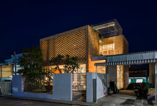 Nhà 2 tầng có 8 mảnh vườn ở Bình Thuận - Ảnh 9.